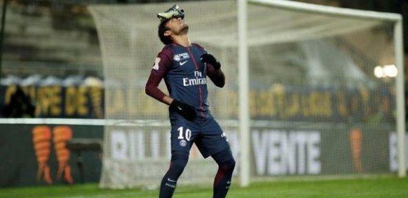 Neymar scores as PSG beat Amiens to reach Cup semis