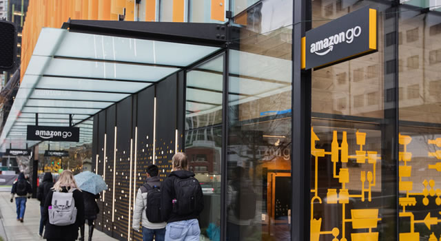 Amazon Opens Grocery Store Without Cashiers