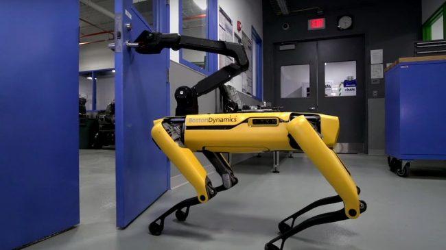 Boston Dynamics robot opens blocked door