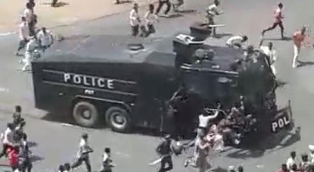 Shi'ites, police clash In Abuja (Video)
