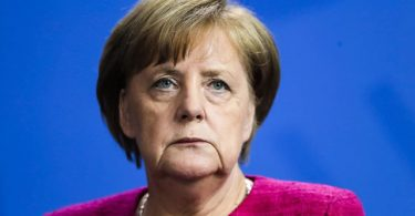 MIGRANT ROW: Reprieve for Merkel as opposition leader backs down
