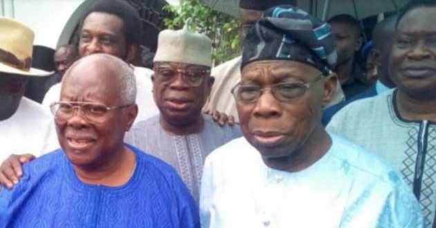 Obasanjo attends PDP rally