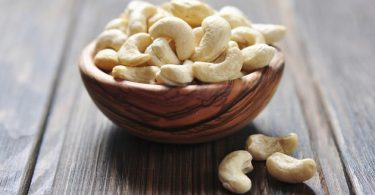 8 must-know health benefits of eating cashew nuts