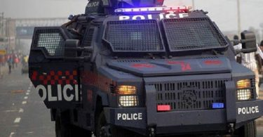 Police escort repels robbery, but pays supreme price