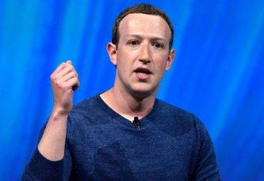 FAKE NEWS PURGE: Facebook bans 800 accounts