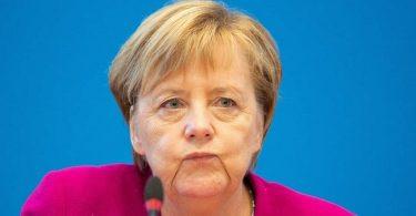 Angela Merkel to quit politics in 2021