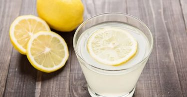 8 health & beauty benefits of drinking lemon juice