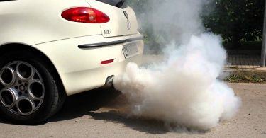 EU agrees on emission cuts by car makers
