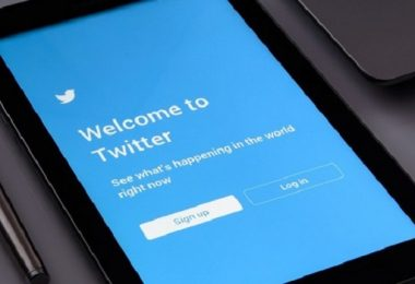 Saudi paid Twitter employee to spy on accounts of dissidents, reports say