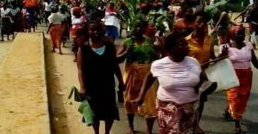 Women barricade road protesting alleged attack, rape by herdsmen
