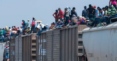 US-MEXICO BORDER: Trump deploys 5,200 soldiers over migrant influx