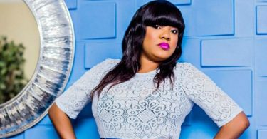 After viral engagement, actress Toyin Aimakhu breaks up with lawyer fiancé (Video)
