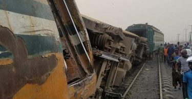 Many wounded as train derails in Lagos