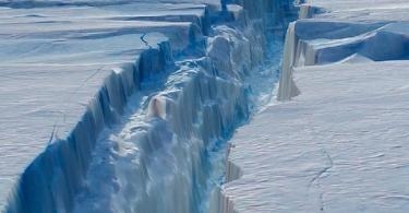 Iceberg twice the size of New York City about to break off, NASA warns