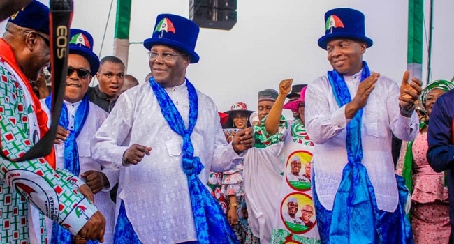 Huge Crowd Awaits Atiku, Obi For PDP Presidential Campaign In Lagos