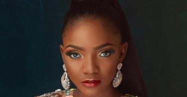 Simi reveals how a police officer once pulled a gun at her and friends for simply laughing