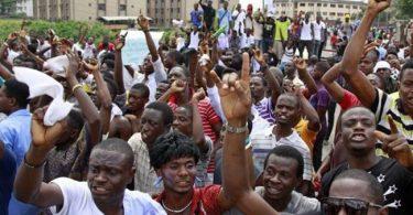 Ondo varsity students ignore gov's threat, lockdown state capital in protest
