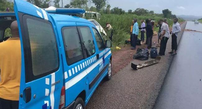 3 people feared dead in ghastly auto crash along Mokwa-Bida road