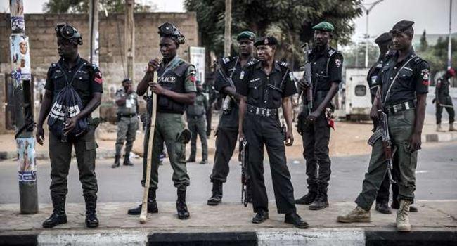 ENUGU: Robbers raid policemen at checkpoints, snatch AK47 rifles