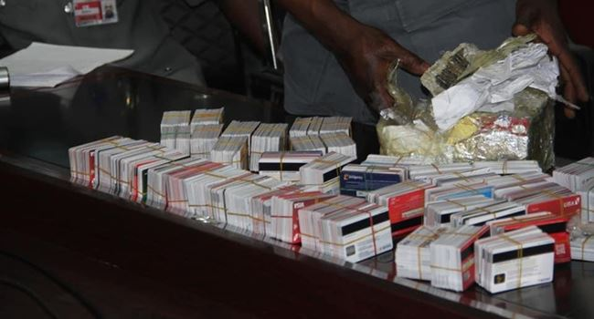 Customs hands over Dubai bound passenger arrested with 2,886 ATM cards to  EFCC | Ripples Nigeria