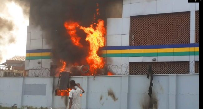 Hoodlums set police station on fire in Lagos