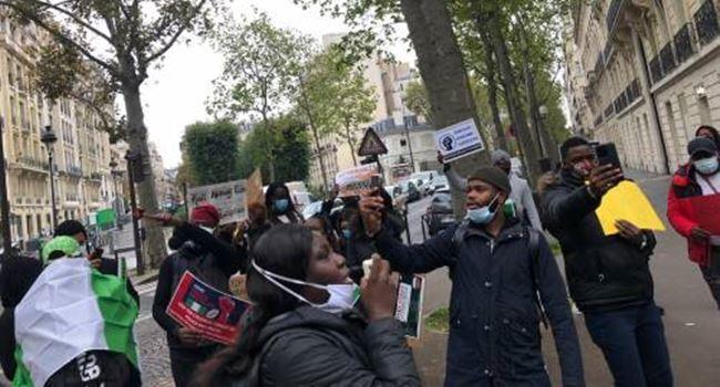 Nigerians in France join #EndSARS protest
