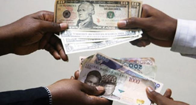 Naira falls by N2 as CBN promo fails to stop depreciation