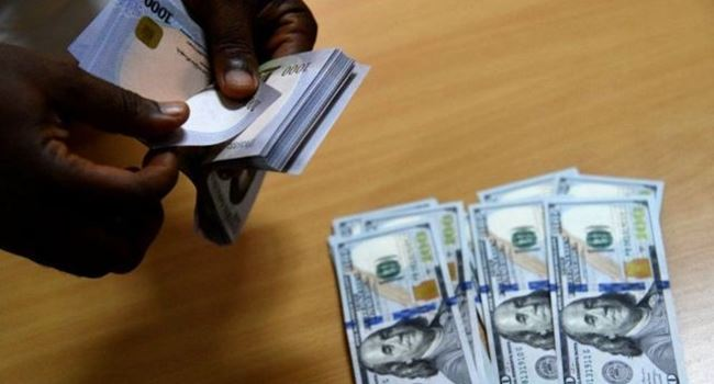 Naira closes strong against U.S dollar on Tuesday